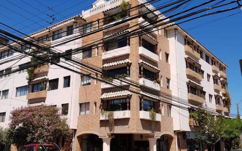 Departamento en Edificio V Centenario